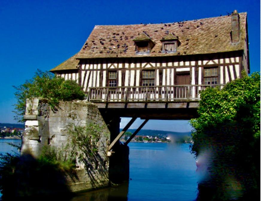 Vernon - le vieux moulin suspendu